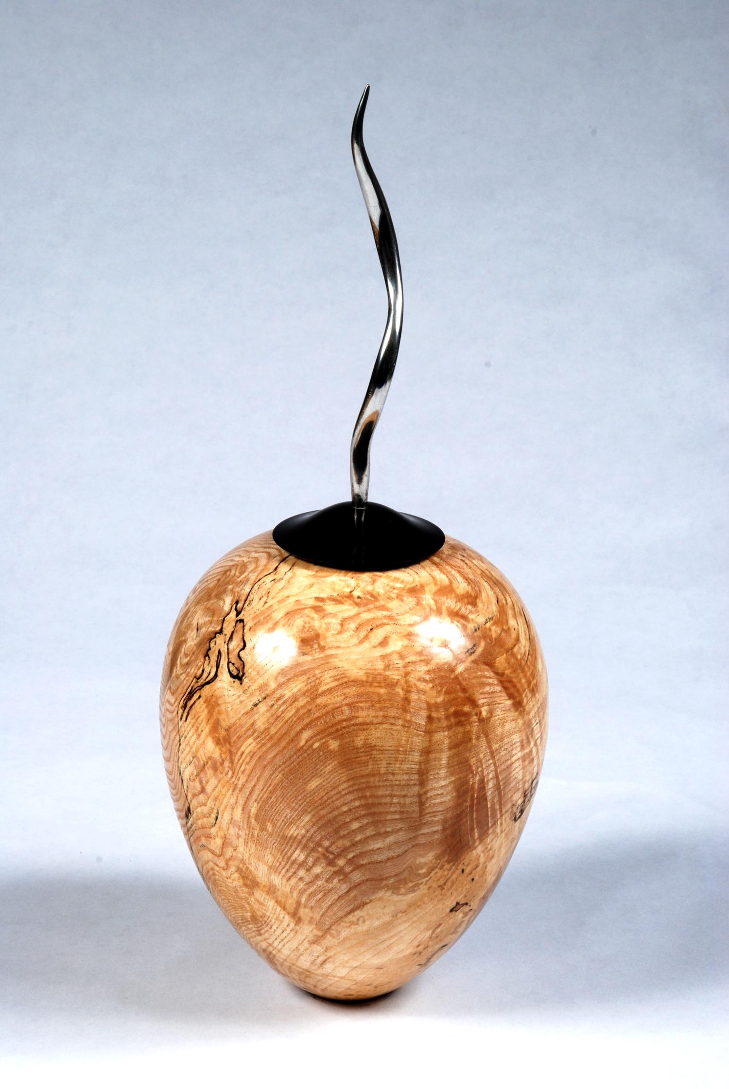 ash-pew-vase